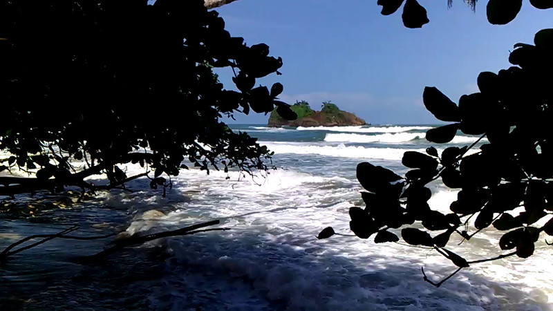 watching the waves break at playa cocles